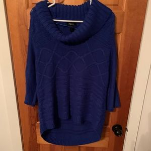 Blue high/low sweater size XL